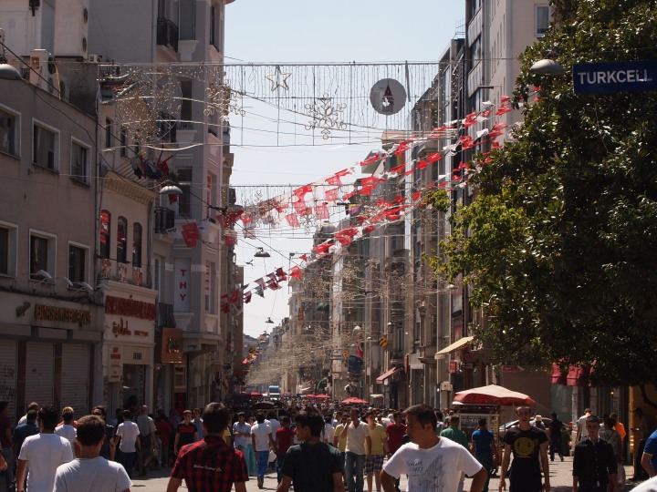 Busy holiday on Istiklal
