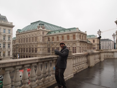 Zach with the Wiener Staatsoper in the background