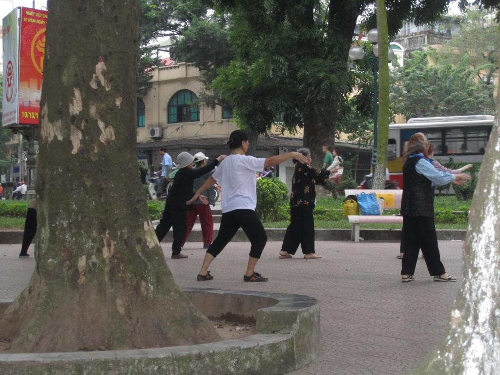 Tai chi ladies!