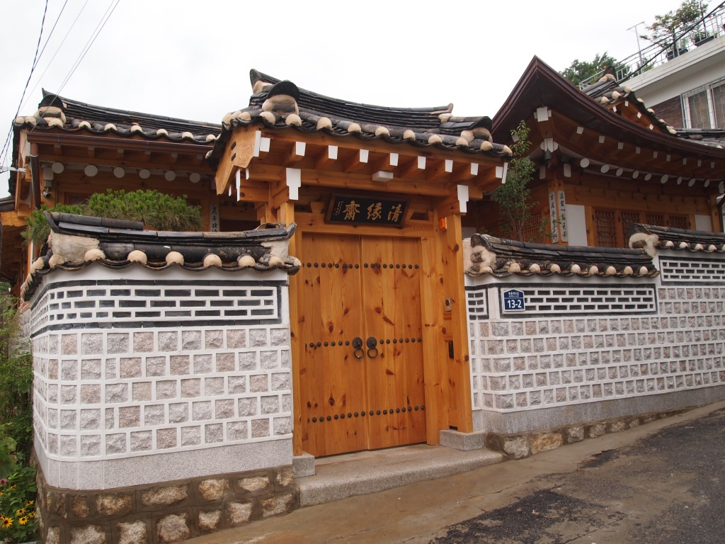 A lovely new hanok