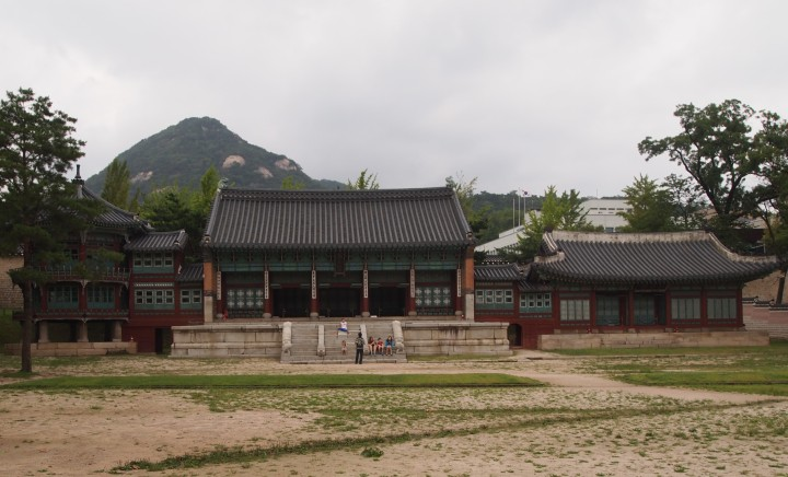 Parujeong, Jibokjae, Hyeopgildang Buildings - these buildings were moved here by King Gojong. An art hall, library, and audience hall for foreign envoys