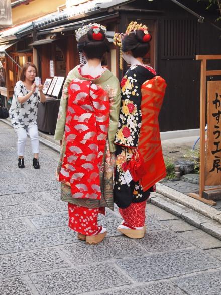 Tourists dressed up as geisha