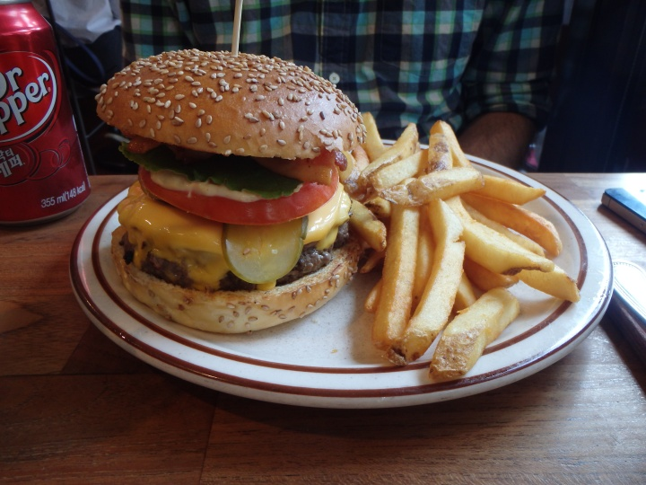 Zach's burger - Brooklyn Works
