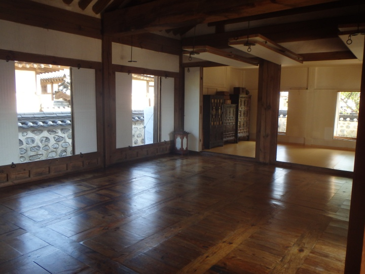 This hanok was much more spacious