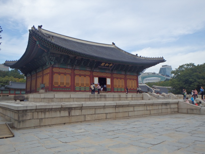 Junghwajeon Hall burnt down in 1901 and was rebuilt in 1906