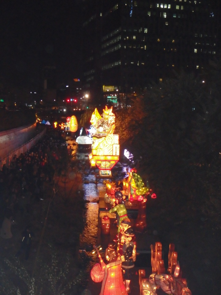 A nice view of the lanterns going down the stream