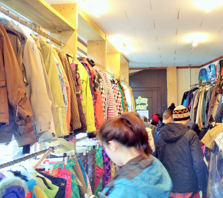 Small area for clothing rental - nothing was marked so you had to pull something down to check the size