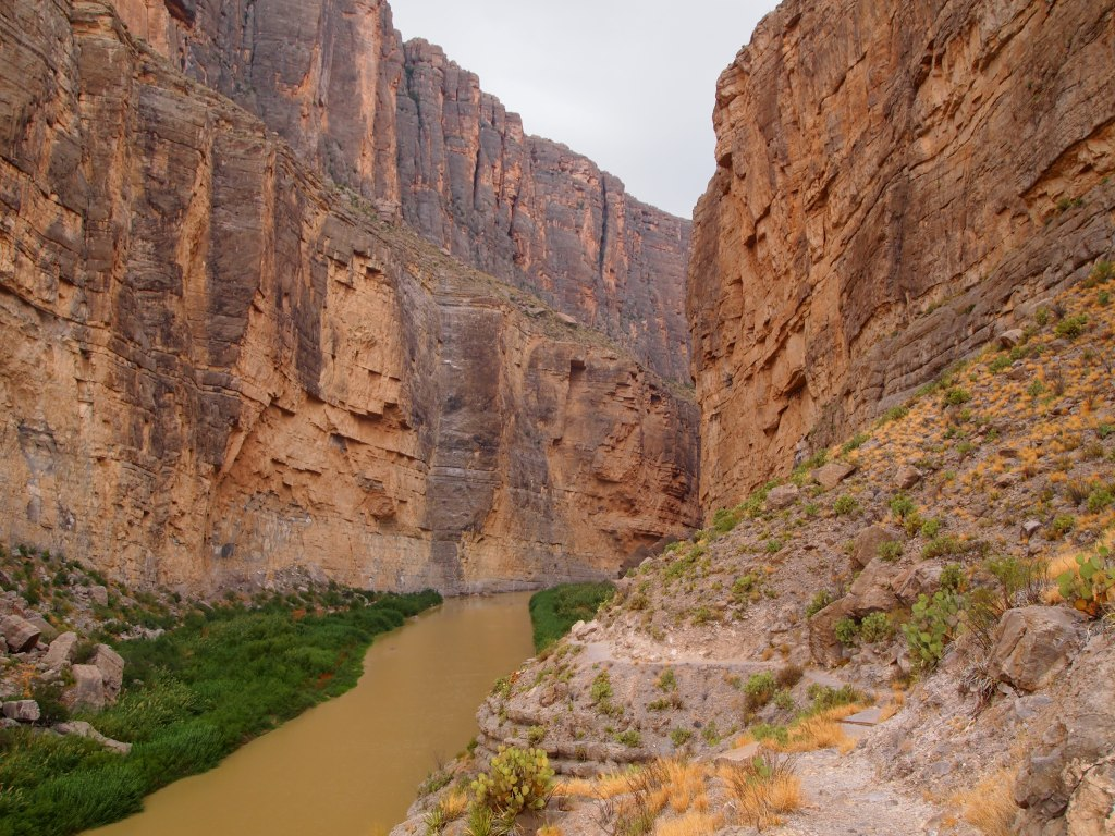 Nice view of the canyon as we began to hike in