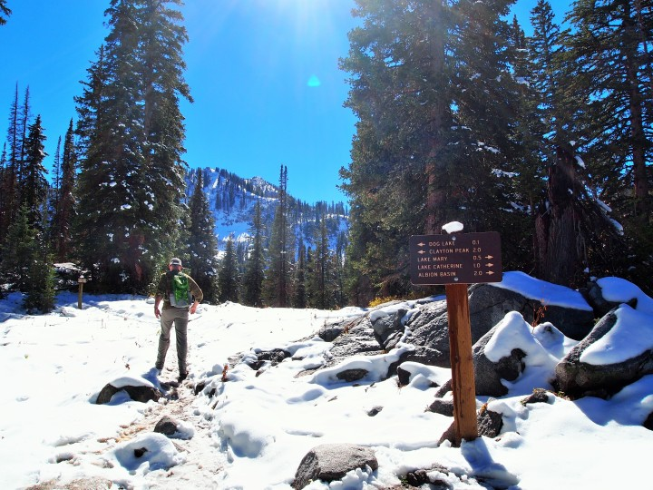 Take a side trail to Dog Lake